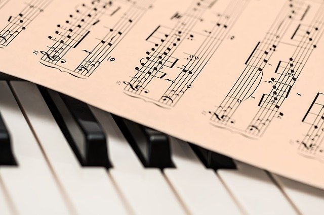 Aprender um instrumento musical