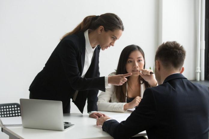 Denúncias em empresas